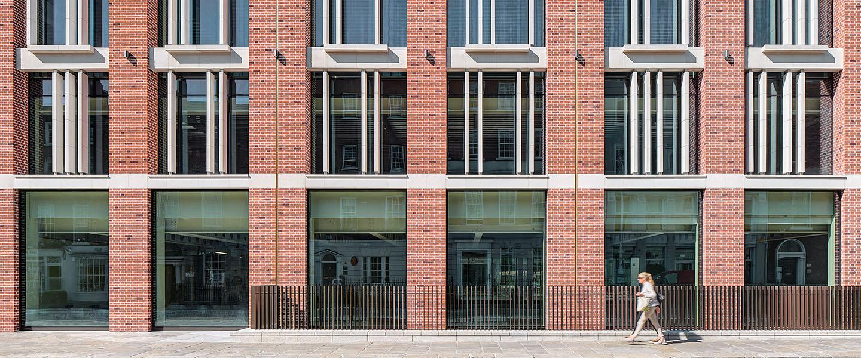 10-molesworth building