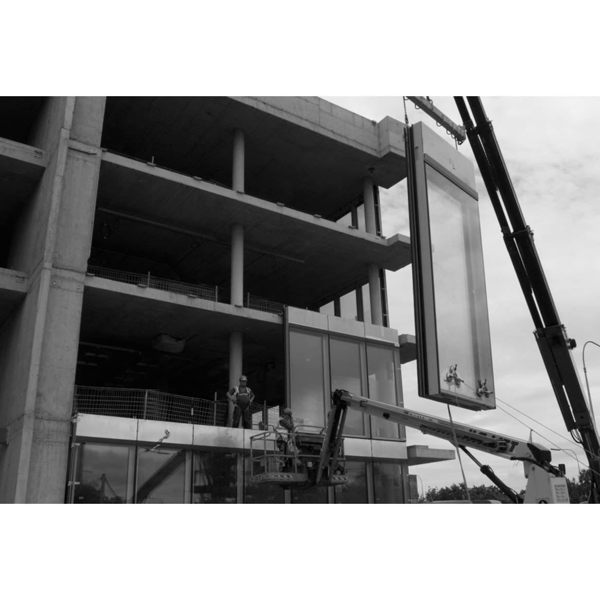 unitized curtain wall manufacturers